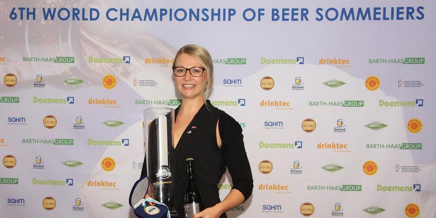 Das Maß aller Dinge bei der 6. Biersommelier-WM: Elisa Raus, Sprecherin der Störtebeker Braumanufaktur