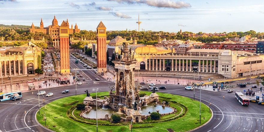 Begehrte Destination: Die spanische Stadt Barcelona, hier mit der Plaza de Espana