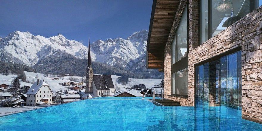 Neues Highlight in Maria Alm: Das Magic Mountain Resort Die Hochkönigin mit einem großzügigen Infinity-Pool