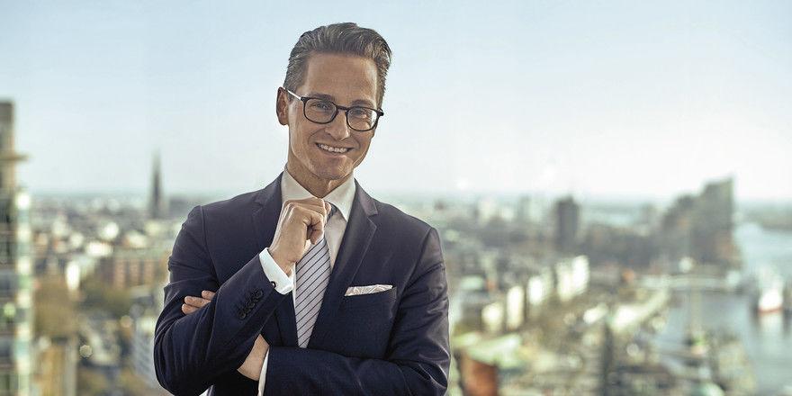 Chef über 770 Zimmer: Enrico Ungermann ist Hoteldirektor des Hotels Hafen Hamburg und des Empire Riverside Hotels