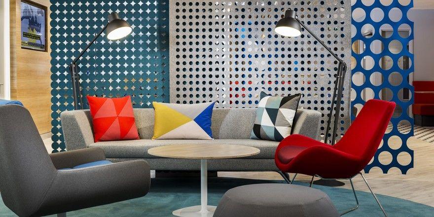 Buntes Design im Holiday Inn Express Erlangen