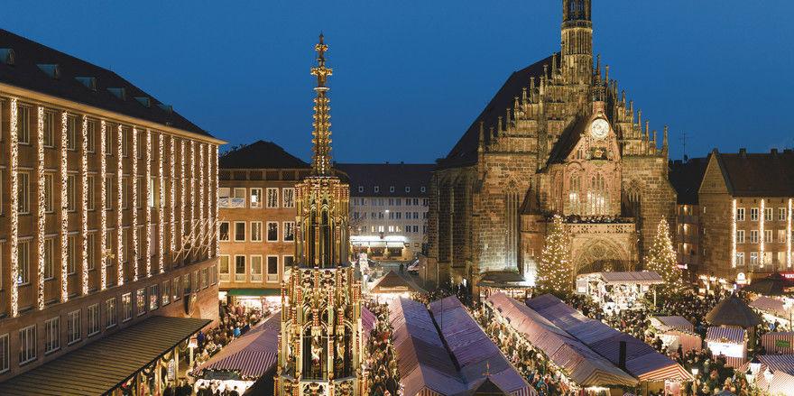 Nürnberger Christkindlesmarkt: Städtereisende lassen sich die genussreiche Zeit etwas kosten.