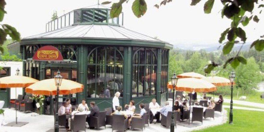 """Ausblick inklusive: Das Café Diva im Parkhotel Adler<tbs Name=""""foto"""" Content=""""*un*gw.6,5""""/>"""