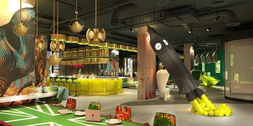 Eines der ikonischsten Elemente in der Lobby ist der Raketenstart der Big-Ben-Skulptur
