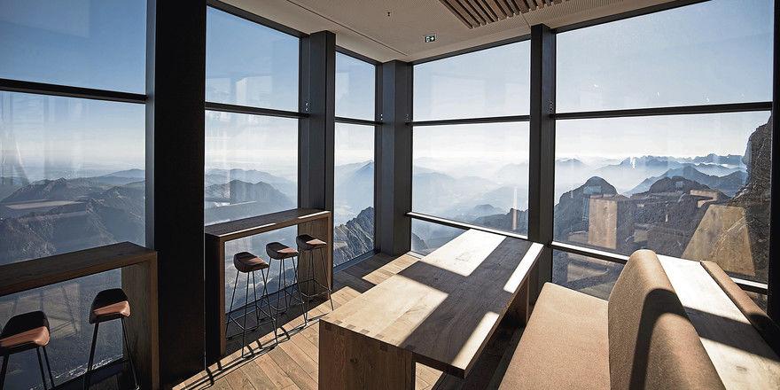 Spektakulär: Der Ausblick vom Bergrestaurant Panorama 2962