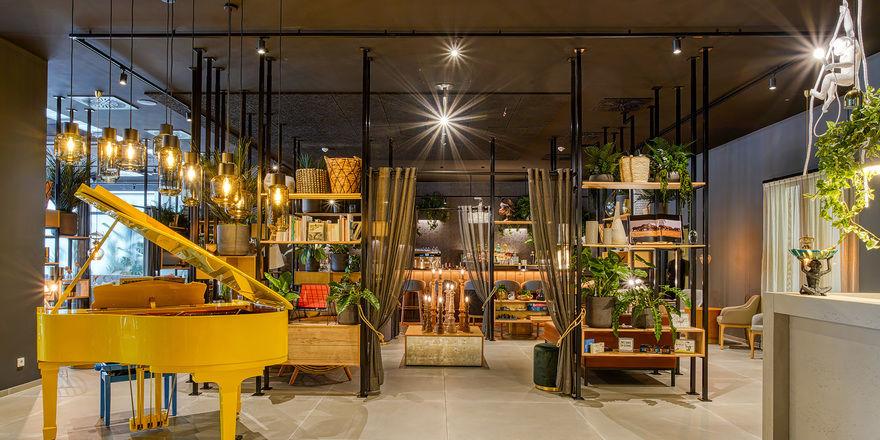Von Grün bis Bunt: So präsentiert sich die Lobby bei Ninetynine, hier im Hotel in Wuppertal