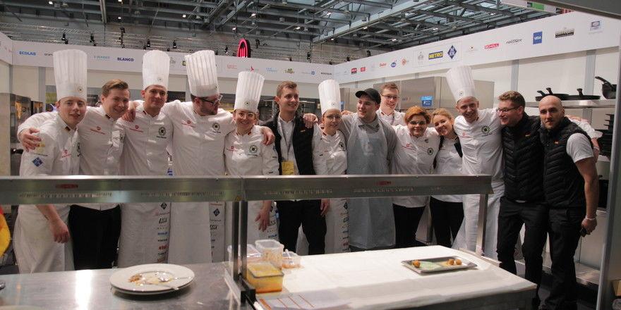 Strahlen fürs Foto: Die Jugendnationalmannschaft hat es bei der Olympiade der Köche bereits am Montag über die Ziellinie geschafft