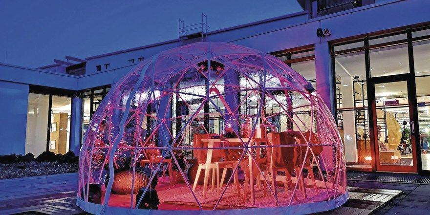 Event-Iglu im Hof des The Hotel Darmstadt: Das Haus wird im Sommer das erste Greet-Hotel in Deutschland.