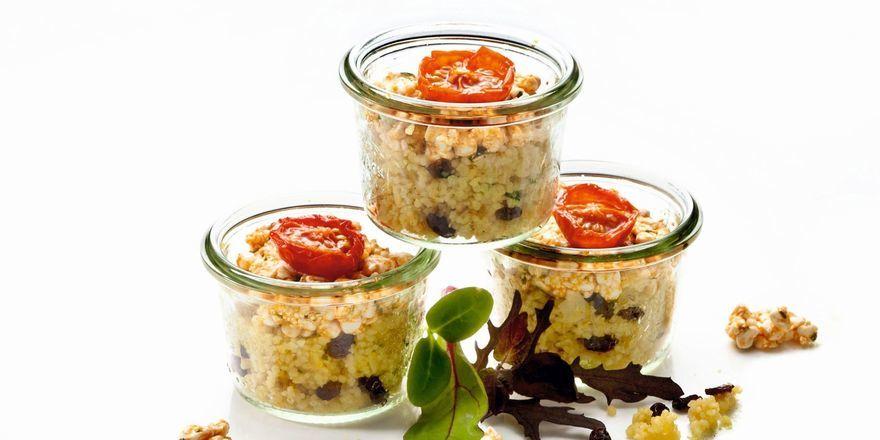 Neues aus der Sander-Frischemanufaktur: Couscous-Salat mit Berberitzen und Mandeln