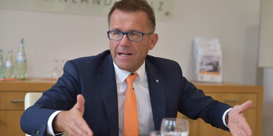 Gereon Haumann: Die Schließung der Betriebe zum Schutz der Gesundheit aller Beteiligten ist auch aus seiner Sicht dringend geboten, jedoch pocht er auf mehr Unterstützung
