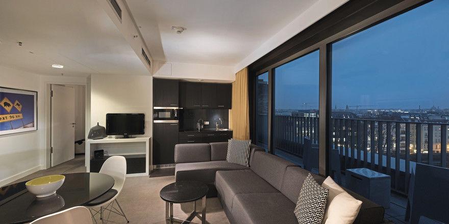 Gästezimmer im Adina Apartment Hotel Berlin Hauptbahnhof: Die Gruppe hat ihre Häuser in Deutschland während des Shutdown durchgehend geöffnet gelassen.