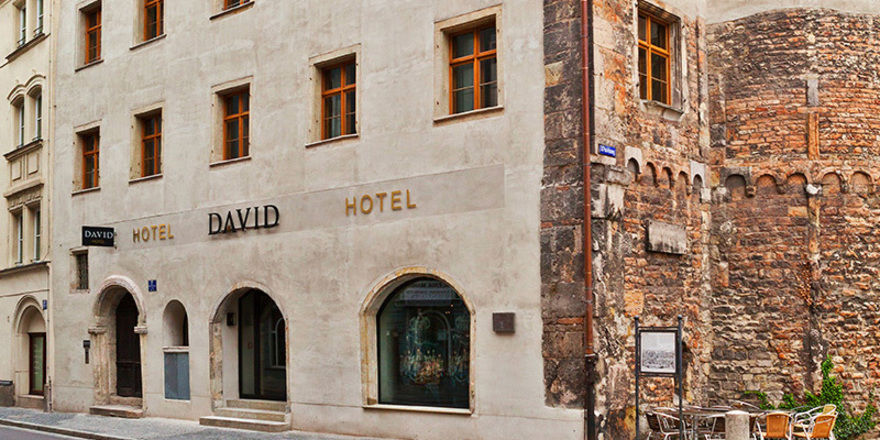 In der Nähe der Steinernen Brücke: Das Hotel David in Regensburg