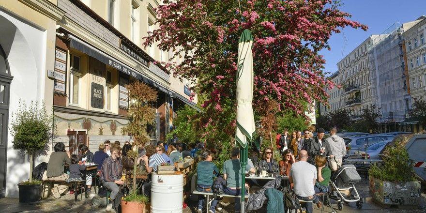 Berliner Restaurants: Der Mindestabstand von 1,5 Metern bleibt