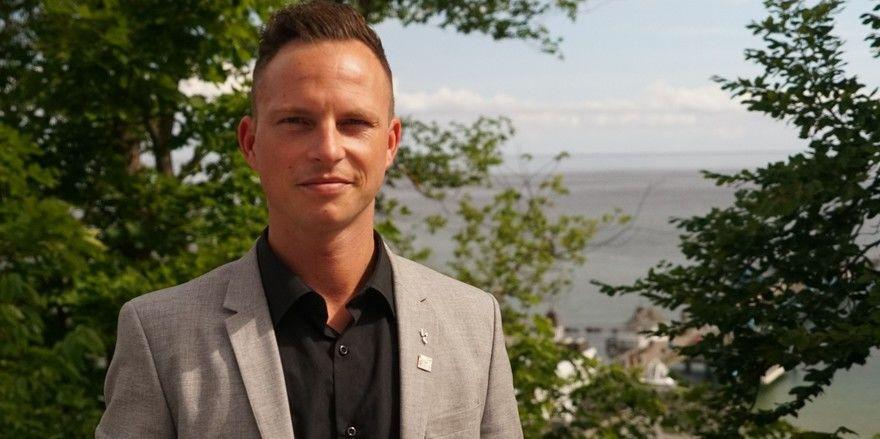 Will mehr F&B-Verantwortung übernehmen: Tobias Moritz, F&B Assistant im Hotel Hanseatic Göhren, setzt deshalb auf Weiterbildung