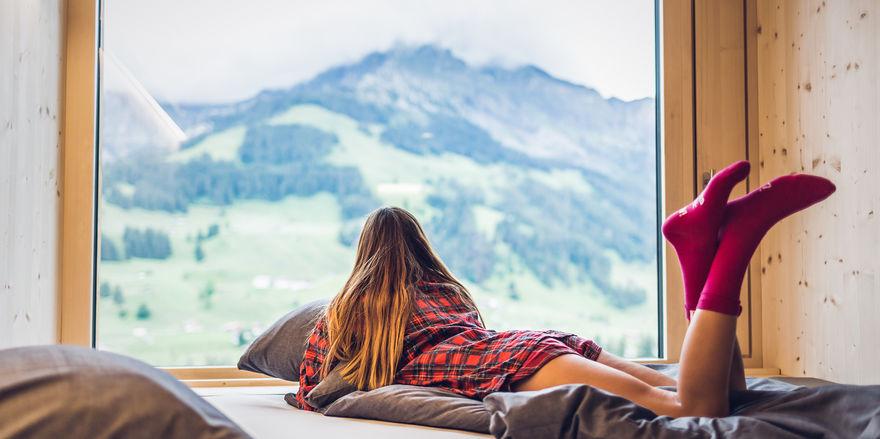 Panoramafenster mit Bergblick: Ein Markenzeichen der Marke Revier Hotels