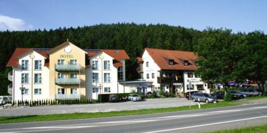 """Vom Bauernhof zum Landhotel: <em>Der """"Hühnerhof"""" vor den Toren von Tuttlingen <tbs Name=""""foto"""" Content=""""*un*gw.6,5""""/>"""