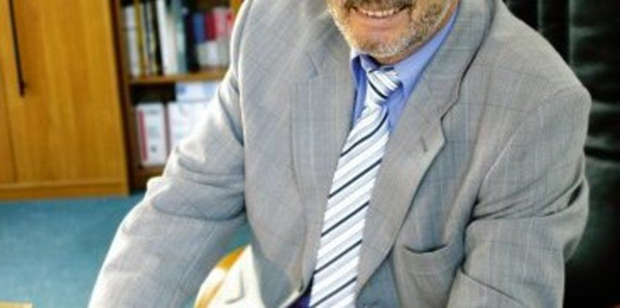 "Hans W. Passian ist seit 1990 Leiter der Kermess München <tbs Name=""foto"" Content=""*un*gw.6,5""/>"