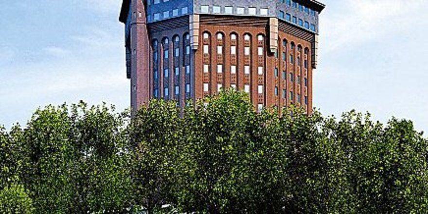 """Wird von institutionellen Anlegern finanziert: <em>Das Mövenpick Hotel an der Sternschanze in Hamburg, das voraussichtlich im Juni 2007 eröffnet wird <tbs Name=""""foto"""" Content=""""*un*gw.6,5""""/>"""