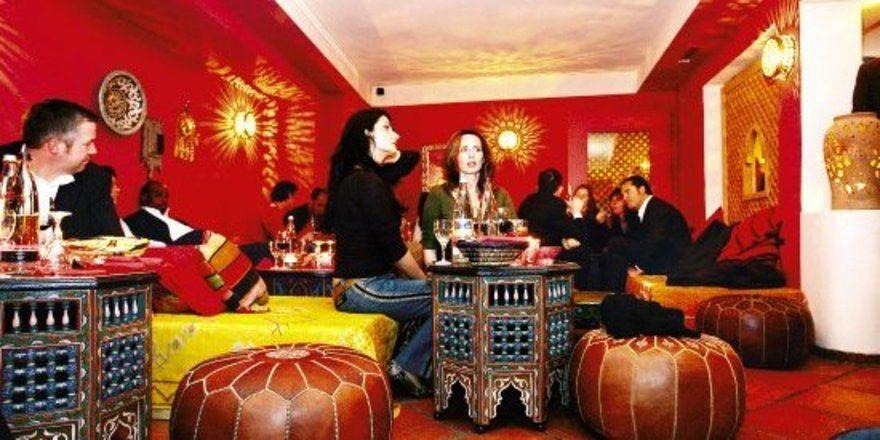 """Marokkanische Verhältnisse:<em> Fast wie Im Urlaub fühlen sich die Gäste im Düsseldorfer """"Marrakech""""<tbs Name=""""foto"""" Content=""""*un*gw.6,5""""/>"""