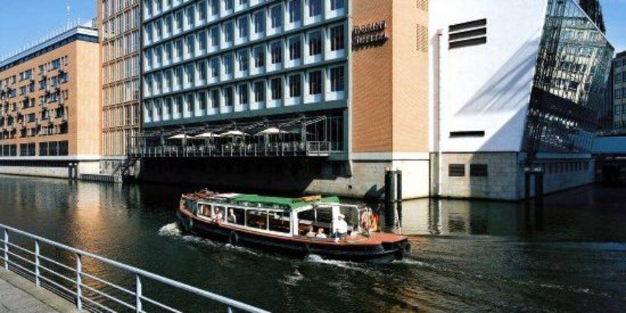 """Dorint Sofitel am Alten Wall Hamburg: <em>Das Hotel geht an den Accor-Konzern <tbs Name=""""foto"""" Content=""""*un*gw.6,5""""/>"""