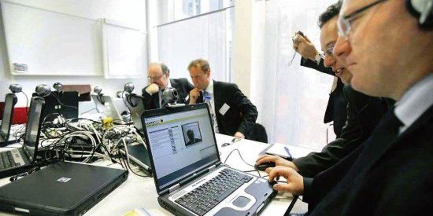 """Technik, die begeistert: <em>Schlauer werden mit E-Learning und Web 2.0 <tbs Name=""""foto"""" Content=""""*sm*un*gw.6,5""""/>"""