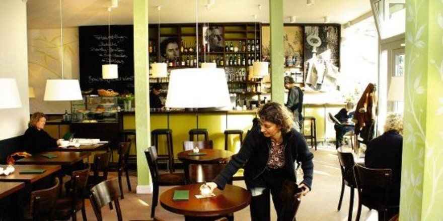 """Spurensuche: <em>Sonia Simmenauer will mit ihrem Café ein Stück jüdisches Leben und Brauchtum nach Hamburg zurückbringen <tbs Name=""""foto"""" Content=""""*sm*un*gw.6,5""""/>"""
