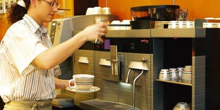 """Auch die Optik zählt: <em>Kaffeemaschine von Melitta SystemService<tbs Name=""""foto"""" Content=""""*sm*un*gw.6,5""""/>"""