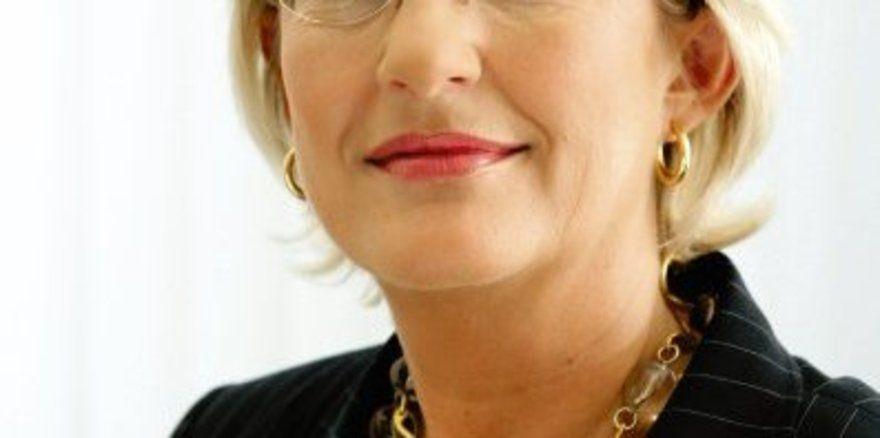 """Wirbt nicht nur für Neuschwanstein: <em>DZT-Chefin Petra Hedorfer sieht im aktuellen Themenjahr auch für unbekanntere Ziele große Chancen <tbs Name=""""foto"""" Content=""""*sm*un*gw.6,5""""/>"""