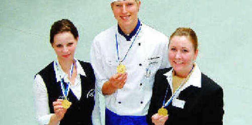 Die Besten in Bayern: (von links) Miriam Felder (Restaurant, Manuel Numberger (Koch) und Katharina Müller (Hotel)
