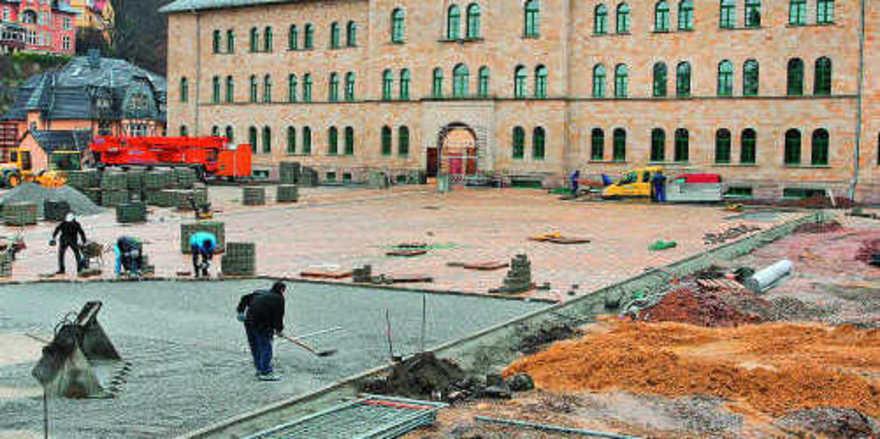 Letzte Arbeiten: Das Schlosshotel geht im Februar an den Start