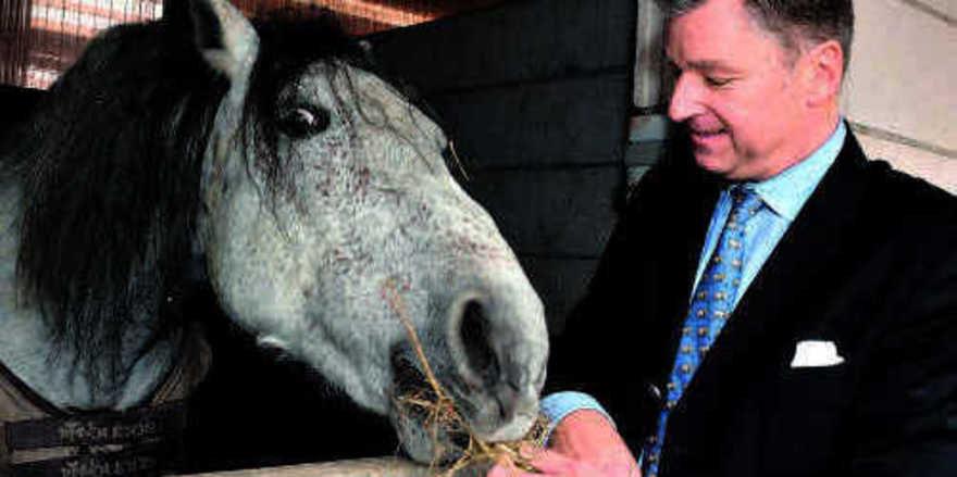 Der Pferdefreund: Ralf-Dieter Montag-Girmes, Gesellschafter der Ambiente Privathotels, liebt Lipizzaner