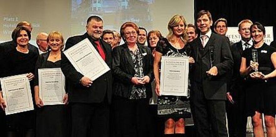 Strahlende Sieger: Die Gewinner des Westfälischen Gastronomiepreises bei der festlichen Gala