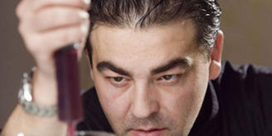 Juan Amador: Bald in Rumänien präsent