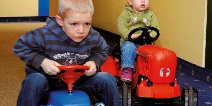 Bobbycar-Flotte: Familotel-Hoteliers wissen, was Kindern Spaß macht