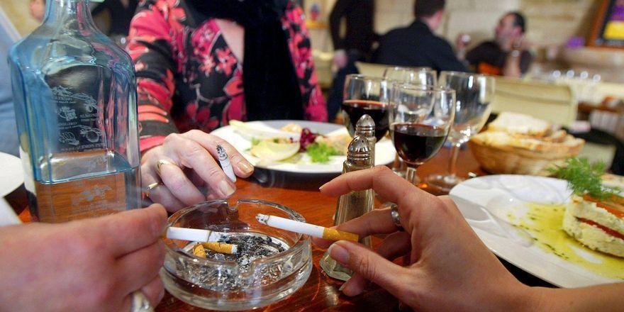 Qualmende Gäste: Bayern hat das strikteste Nichtraucherschutzgesetz