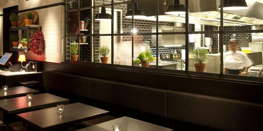 Gehört zum L'Osteria-Konzept: Die einsehbare Küche