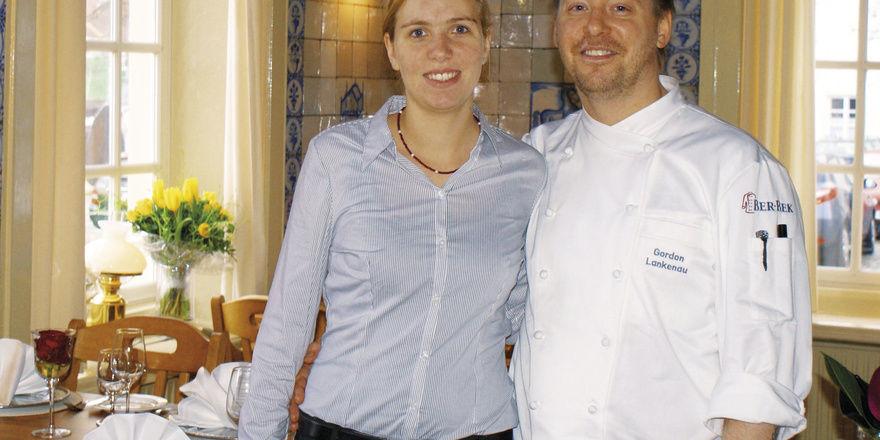 Frische Ideen für ein altes Haus: Hedda Wübbena-Lankenau und Gordon Lankenau führen seit Januar das traditionsreiche Restaurant zur Waage und Börse in Leer