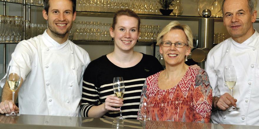 Ein starkes Team: (von links) Die Geschwister Hans und Carina mit ihren Eltern Heidi und Hans Häge