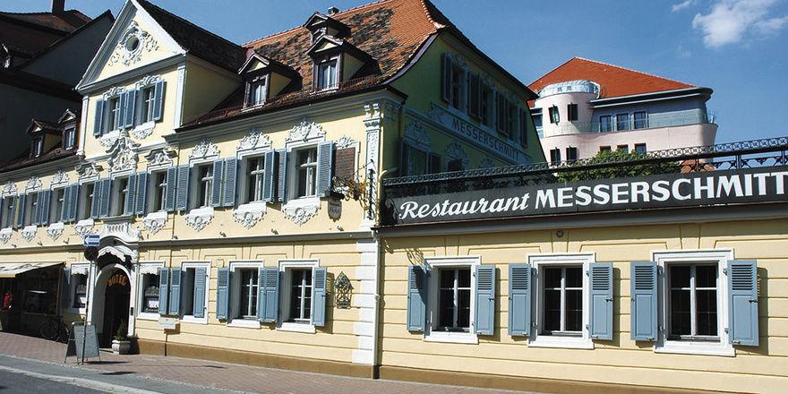 Mitglieder der ersten Stunde: Das Haus Messerschmitt in Bamberg (links) und das Hotel Hof zur Linde in Münster