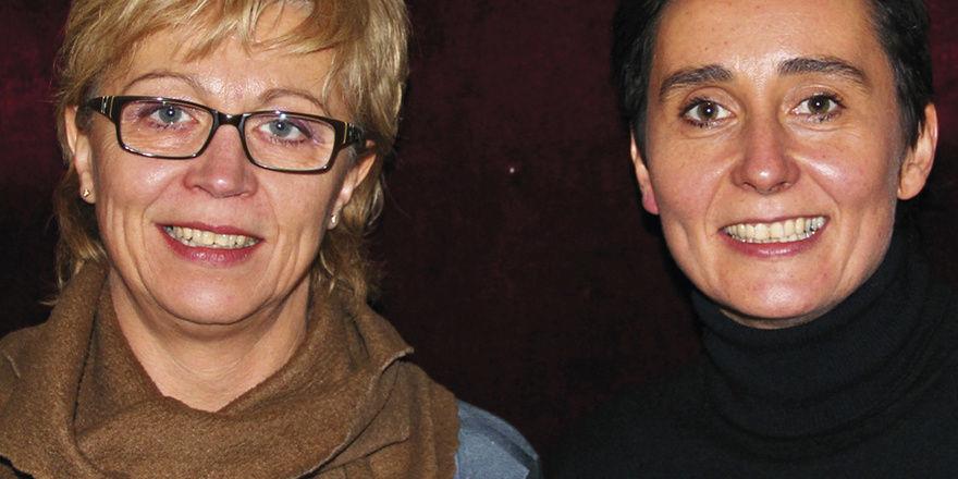 Kreatives Duo: (von links) Innendesignerin Sylvia Hackhausen und Hotelchefin Heike Lowell machen aus jedem Hotelzimmer ein Unikat