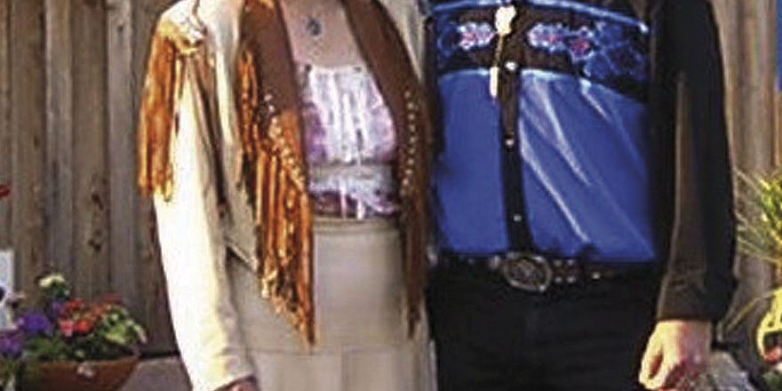 Stilecht: Elke und Wolfgang Beyer in Westerntracht