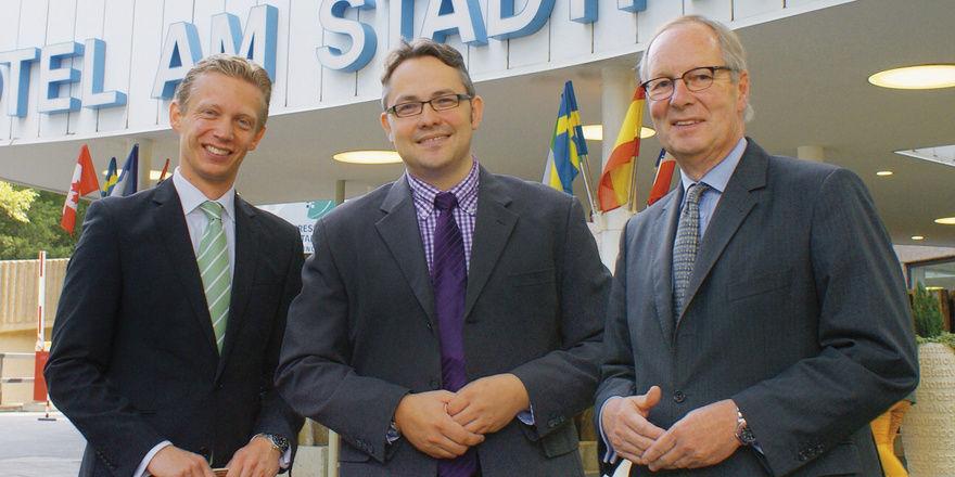 Optimistisch: (von links) Hoteldirektor Cord Kelle, Restaurantbetreiber Niels Müller und Hoteleigentümer Jörg Walter Koch