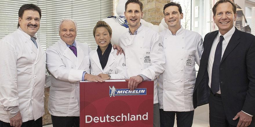 Bei Der Sternevergabe: (von Links) Der Neue 2 Sterne Koch Jörg