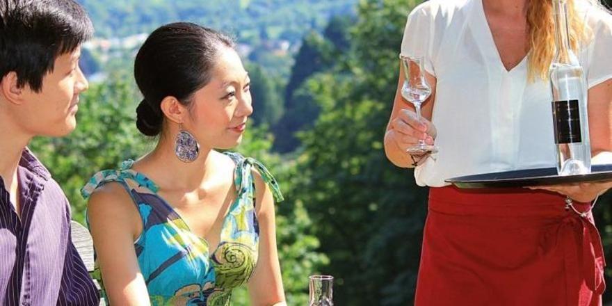 Herzlich willkommen: Die neue Broschüre gibt Tipps zum Umgang mit Gästen aus dem Ausland Foto: Schwarzwald Tourismus GmbH