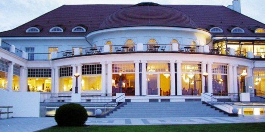 """Das Columbia Hotel Casino Travemünde – nach wie vor eine der schönsten Luxusherbergen an der Ostseeküste. <tbs Name=""""foto"""" Content=""""*un""""/>"""