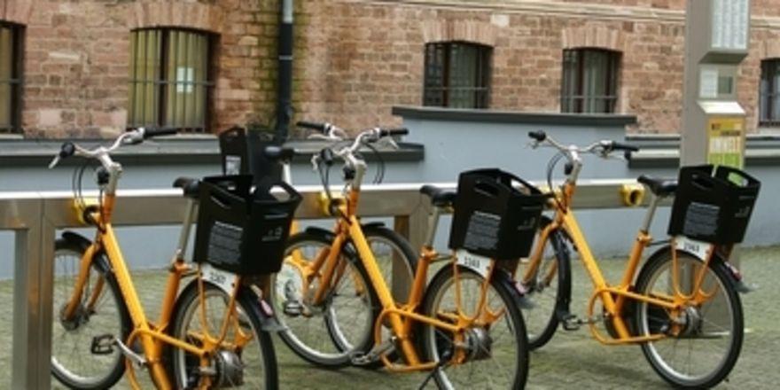 Mieten statt besitzen: Bike-Sharing ist Trend. Mit Leihfahrrädern von Fahrradvermietern können auch Hoteliers punkten