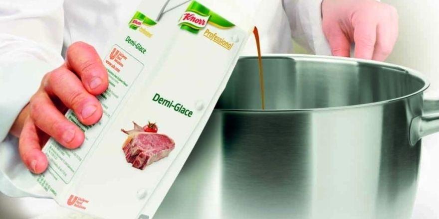 Natürliche Zutaten: Die Grundsauce Demi-Glace aus dem Knorr-Professional-Sortiment