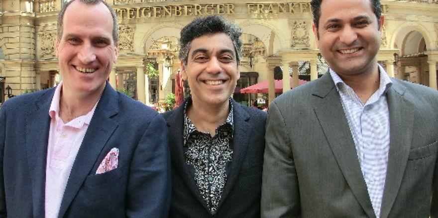 Breeze-Macher: (von links) Björn Nöldner (Restaurant Manager Breeze Frankfurt), Deepak Ohri (CEO Lebua Hotels & Restaurants), Nishant Yadav (Pre-opening Director)