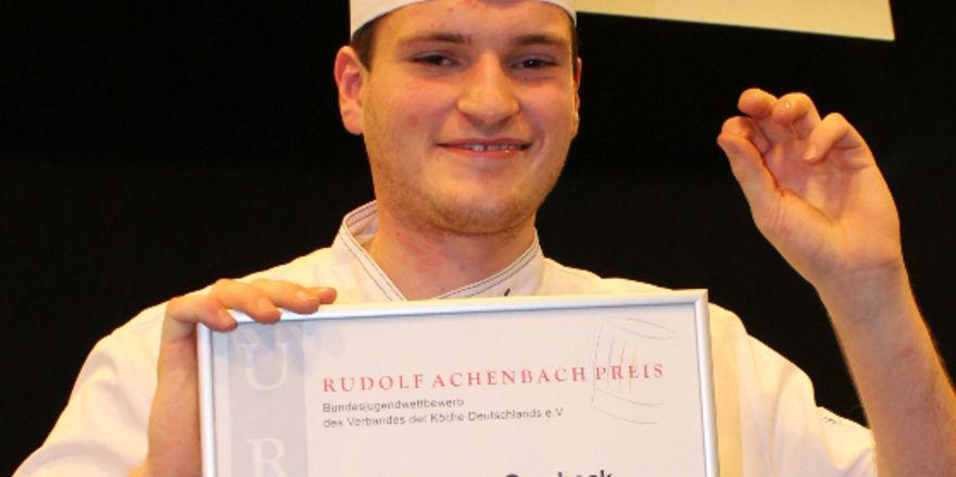 Freude nach dem Sieg: Achenbach-Gewinner 2015 Carsten Gambeck