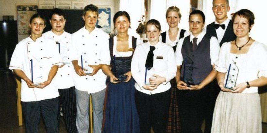 """Die Sieger des Jugendwettbewerbs der Hotelberufsschule Viechtach. <tbs Name=""""foto"""" Content=""""*un""""/>"""